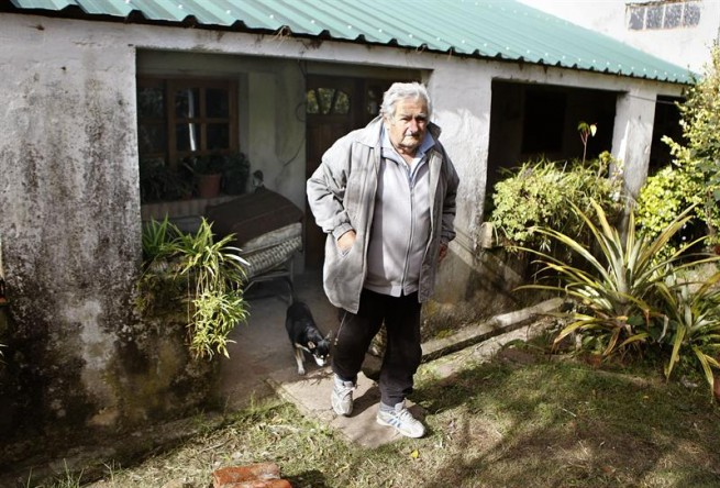 Mujica en su casa